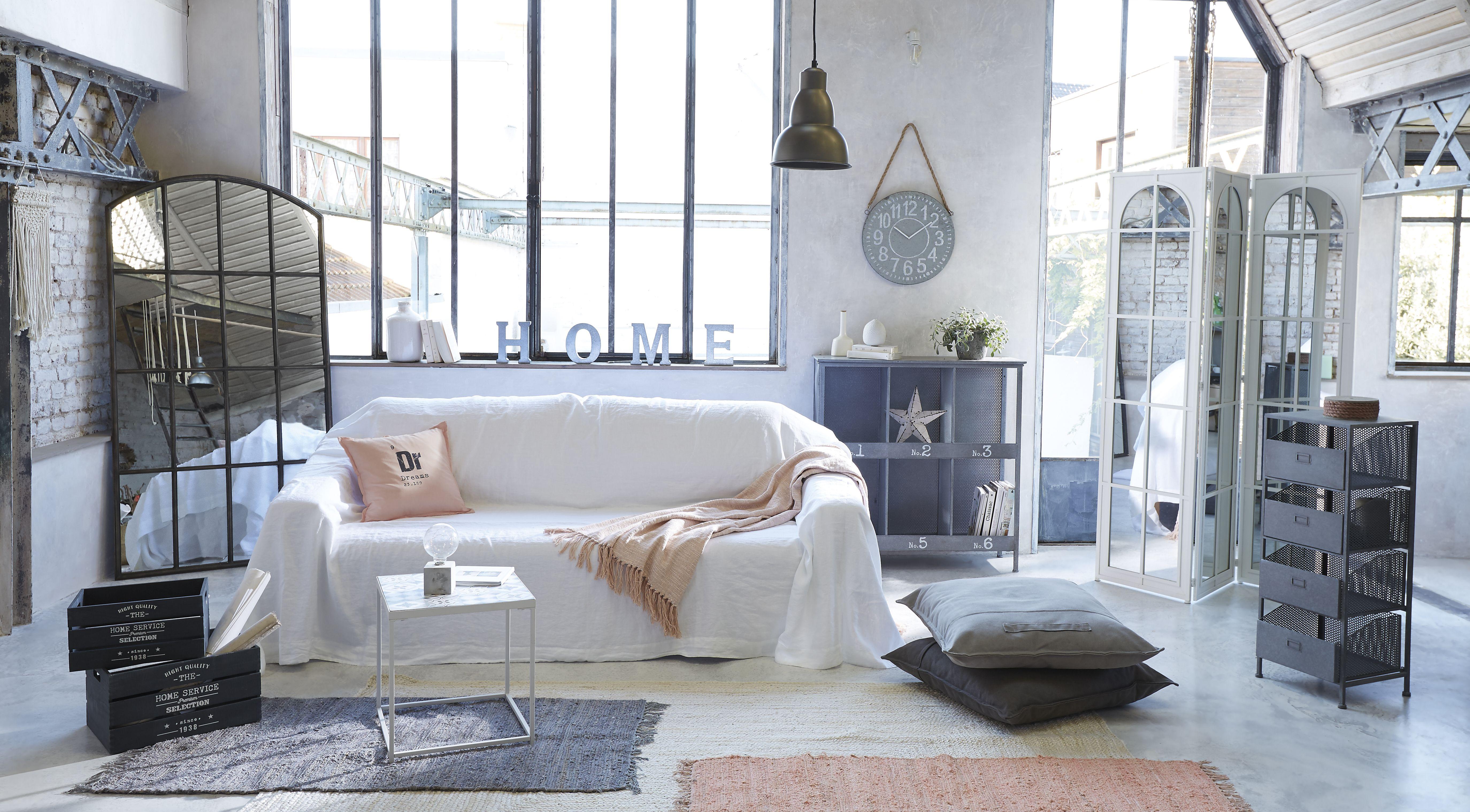 Epingle Par Atmosphera Sur Le Blanc Dans La Recup Et L Indus Bean Bag Mobilier De Salon Decoration Maison