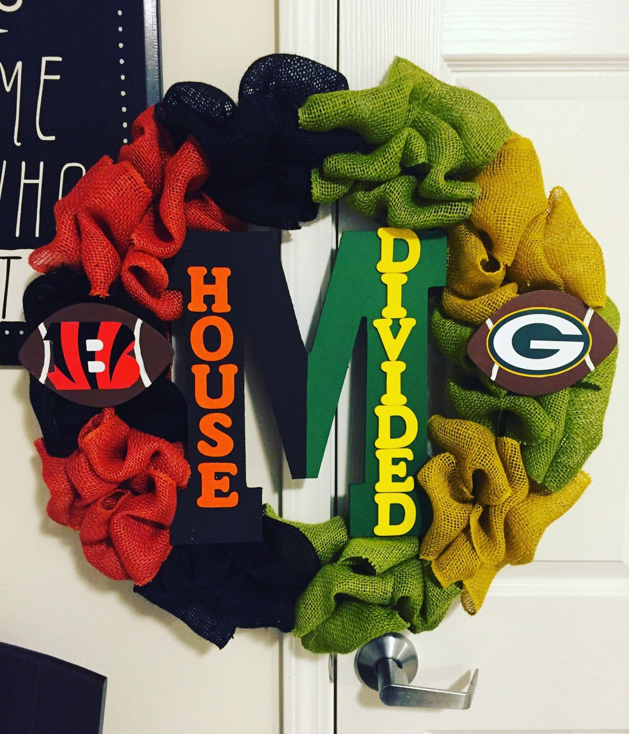 Nfl House Divided Wreath By Thebuckeyeboutique On Etsy Https Www Etsy Com Listing 243816256 Nfl House Divided Wreath With Images House Divided Wreath Wreaths Diy Crafts