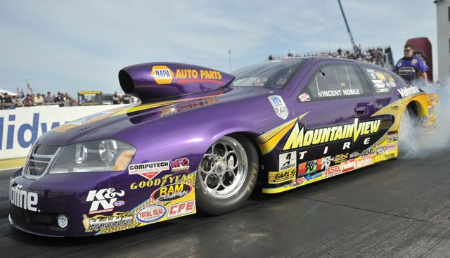 Sunday S Aaa Insurance Nhra Midwest Nationals Live Photo Gallery Nhra Nhra Drag Racing Stock Car
