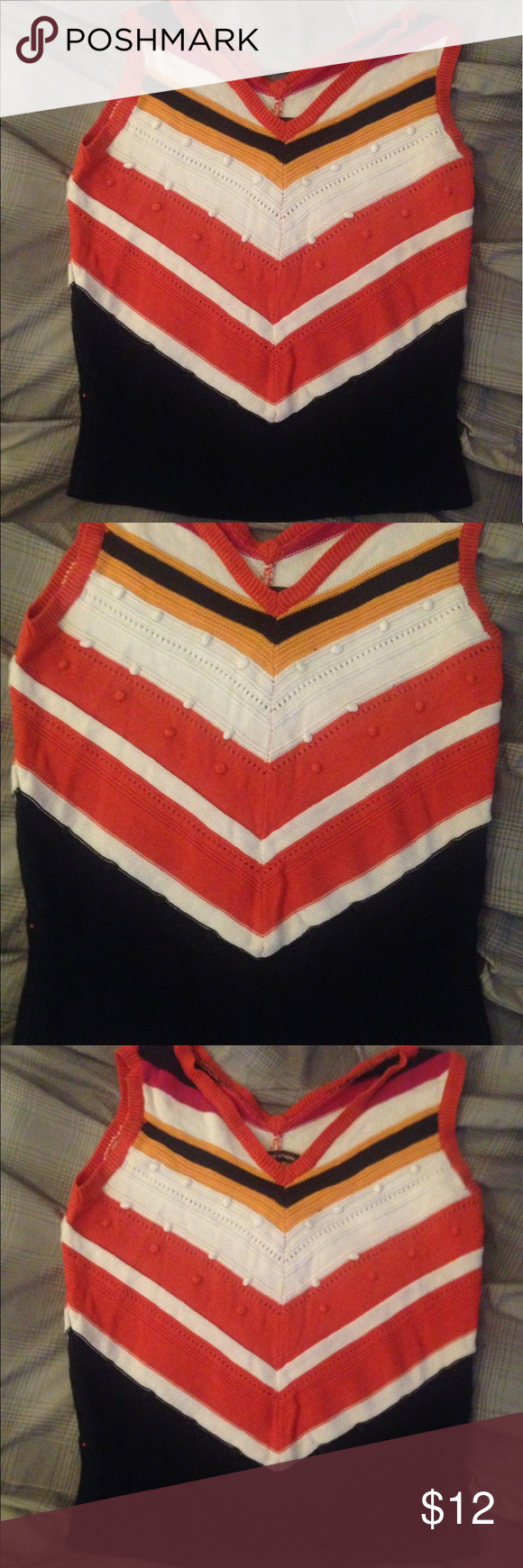 Adrienne Vittadini Top Excellent condition Adrienne Vittadini Top. Size is Large. Adrienne Vittadini Tops