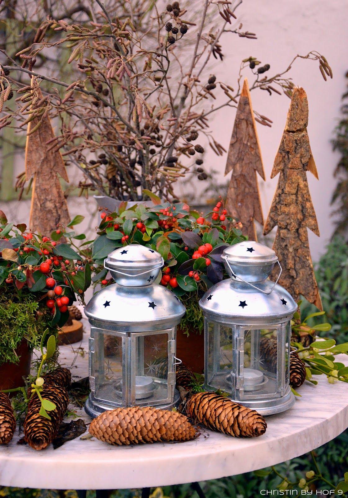 Innenhofdekoration im winter au endekoration mit - Weihnachtsstern dekorieren ...
