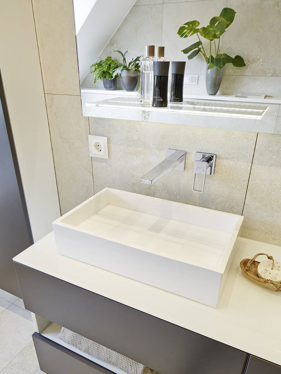 Hansgrohe Metropol Wall Mounted Bathroom Faucet In Modern Bathroom