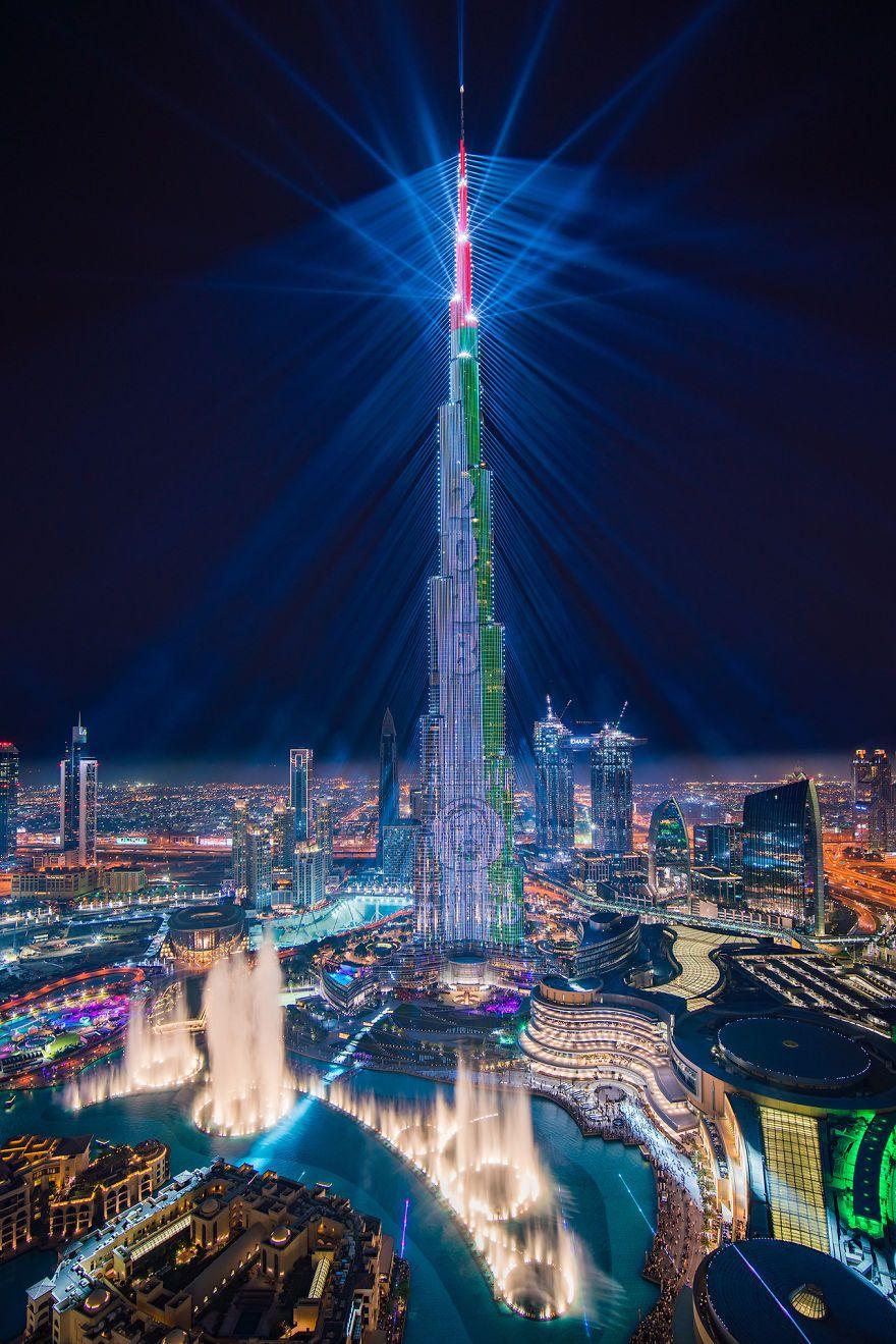Dubai's World Record Laser Show In Pictures   Dubai world ...