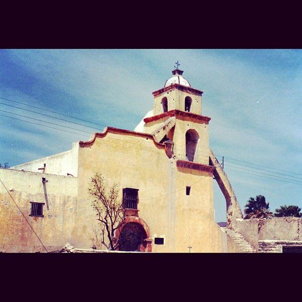 En Ramos Arizpe se encuentra la Hacienda de Santa María, en cuya capilla Miguel
