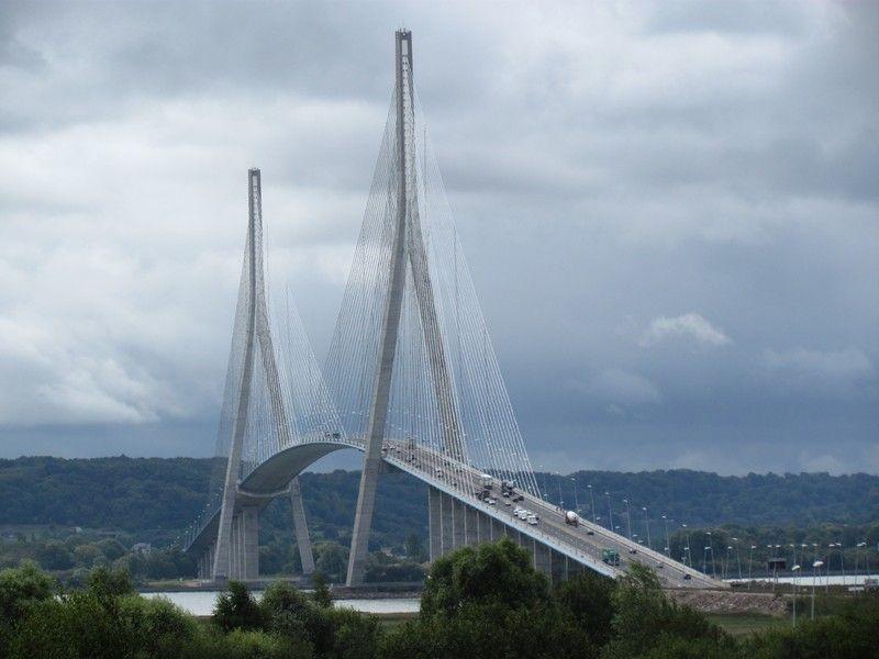 pont de normandie francia ponte sospeso o meglio. Black Bedroom Furniture Sets. Home Design Ideas
