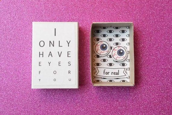 f2b0555a0ab81 Creepy matchbox mignon   drôle anniversaire   je n ai que les yeux pour vous