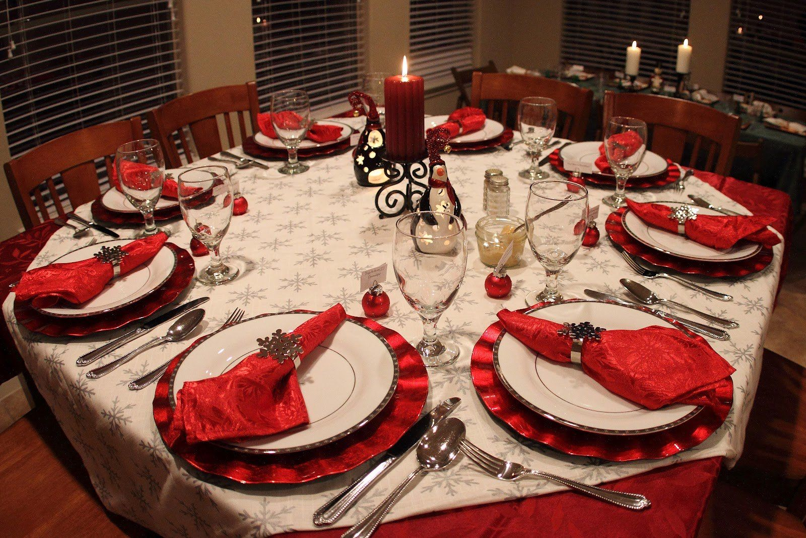 Home Design Beautiful Christmas Decorating Ideas For The Dining Room 2013 Dinner Table Decorations Pictures