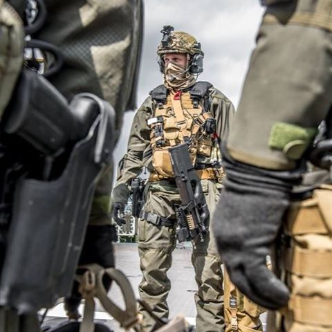 Belgian SFG ---------------------------------------- FOLLOW my friends:  @italiandefenceforces @serbiandefenceforces @worldsforces @soldiers_in_the_world @city_forces @global_sof @world_of_armies @nigerian_armed.forces  #special#forces#belgium#cgsu#sfg#elitesoldiers#elite#soldiers#policeman#police#elitepolice