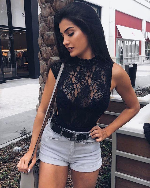 """12.4k Likes, 156 Comments - Marina Ferrari (@marinaferrarig) on Instagram: """"Dia de show de cavaleiros com vestido @lojaonce e brinco @luciabastos ✨ mostro no snap…"""""""