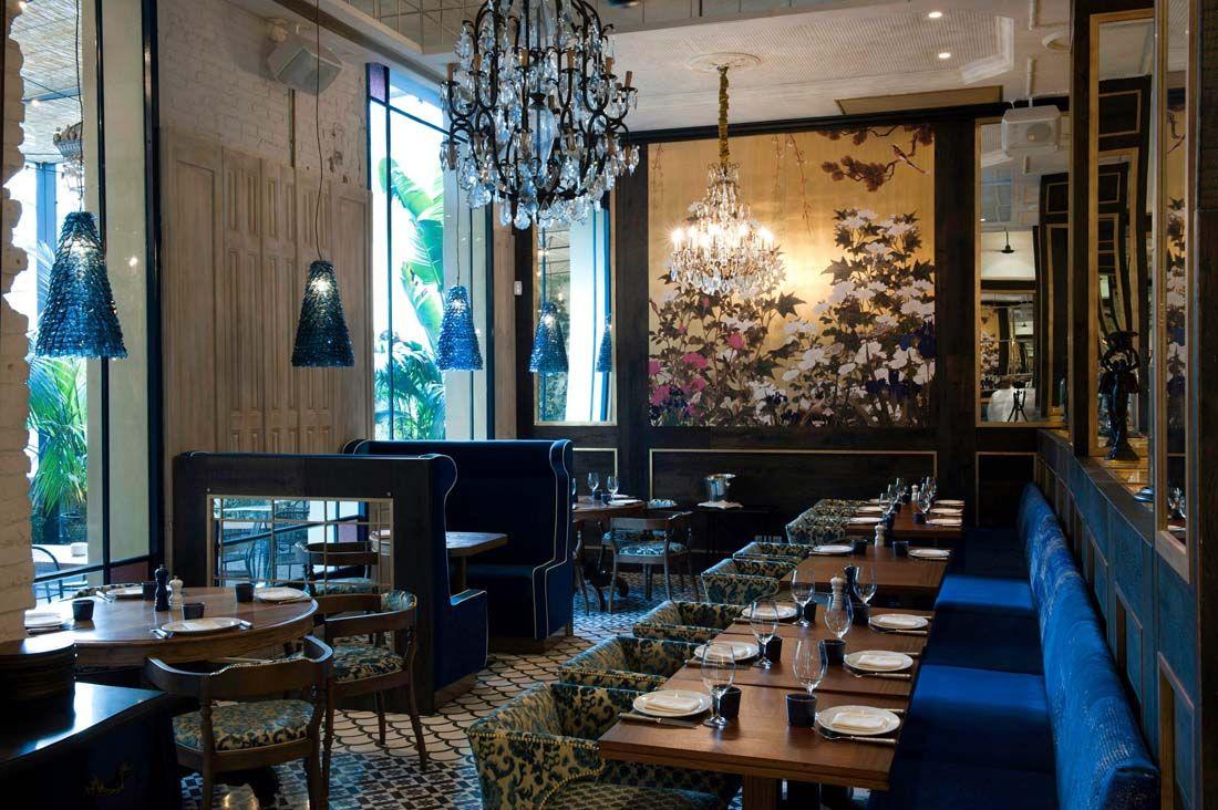 Lazaro rosa violan restaurant interior