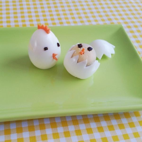Vrolijk Pasen met Hare Maristeit. Ons geel geruite tafelzeil is nu al een hype voor Pasen. Deze vind je hier: http://www.kitschkitchen.nl/webshop/index.php?dispatch=products.view&product_id=1586