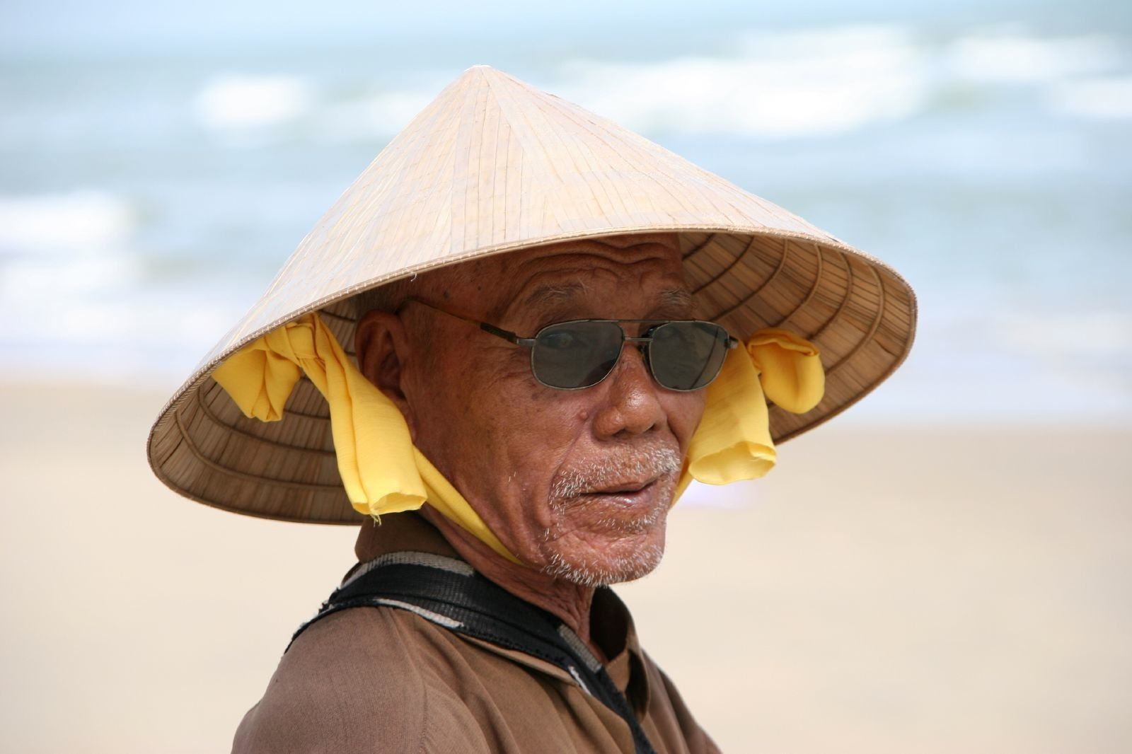 Chinese Rice Hat chinese men in straw h...