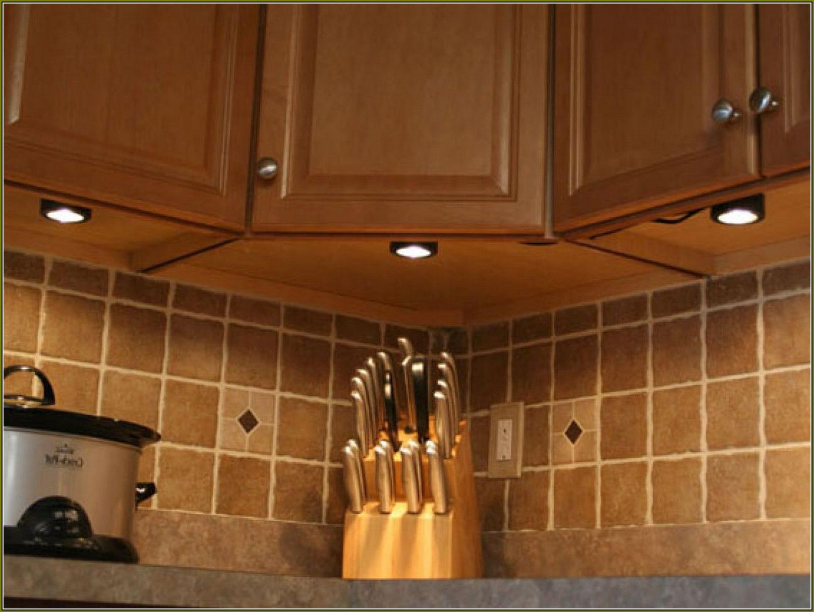 Battery Under Cabinet Lighting Kitchen - top Rated Interior Paint ...