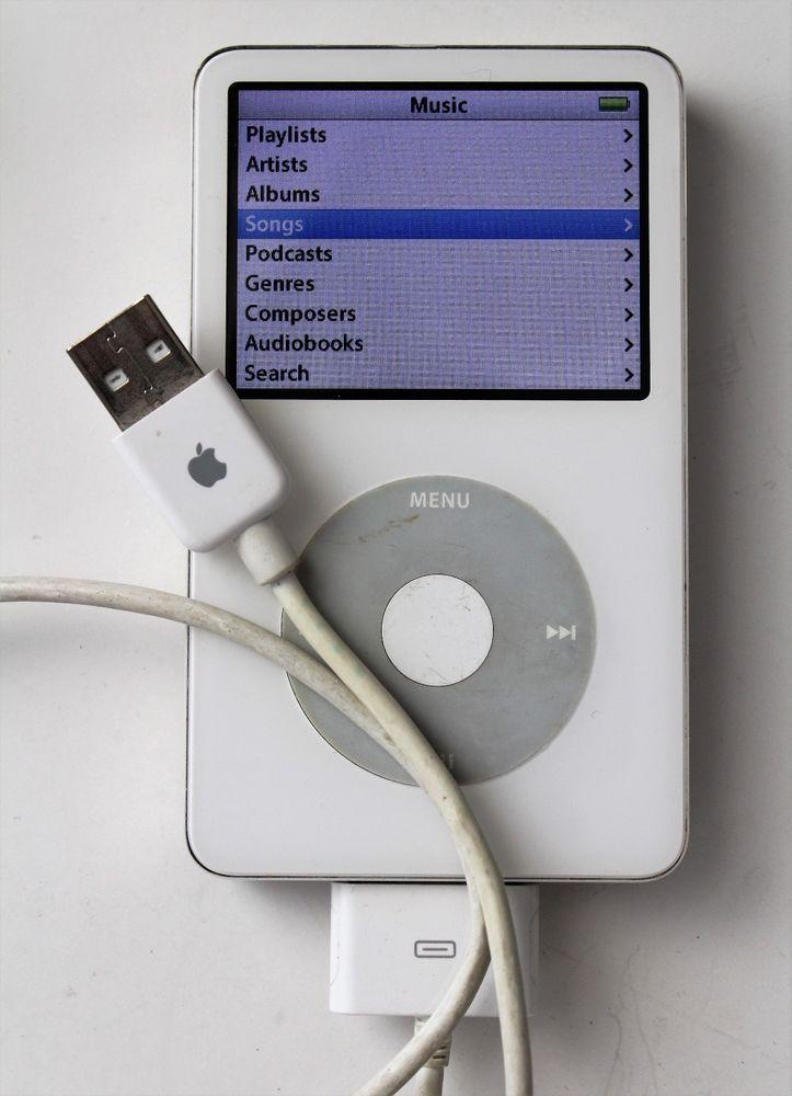 Apple Ipod Classic 5th Generation A1136 Enhanced White 80gb Apple Apple Technology Ipod Classic Apple Ipod
