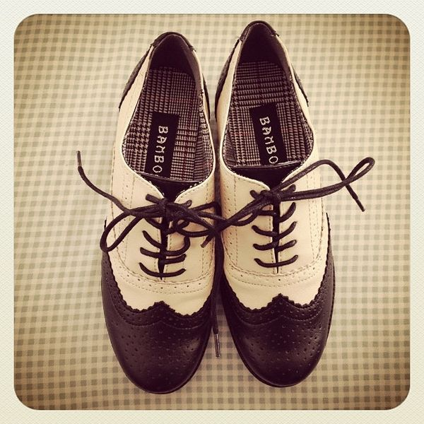 Oxford shoes, Instagram