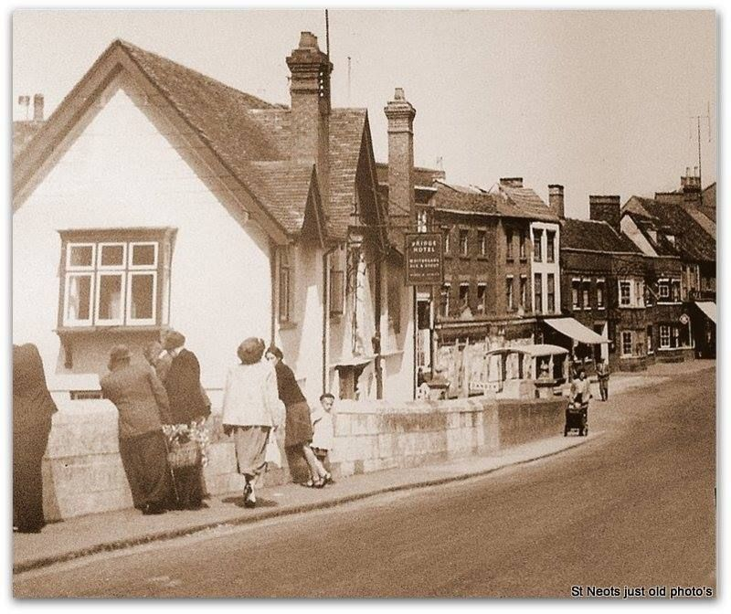 High Street St Neots In The 1960s Street Street View Scenes