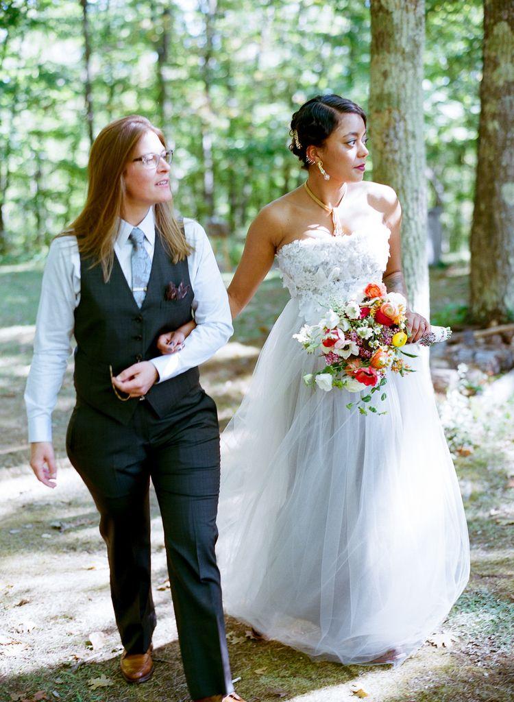 7567a4400 Beautiful #lesbianwedding #lgbtwedding #samesexwedding #gaywedding Lesbian  Wedding Photos, Lgbt Wedding,