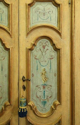 Riproduzione porta in stile Luigi XV con cornici in foglia d\'oro e ...
