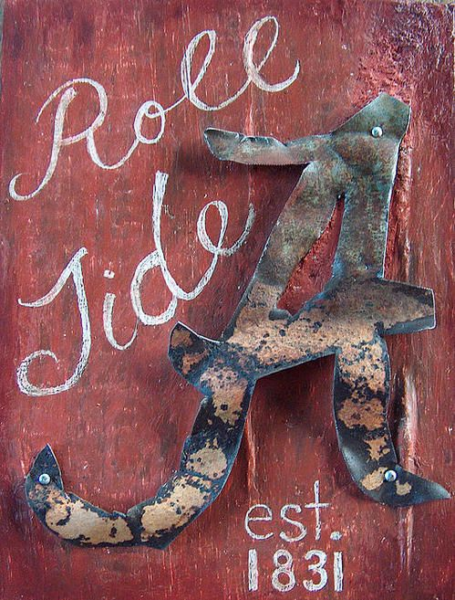 If I was an Alabama fan this would be on my front door...gotta think about how to make something like this for Notre Dame...