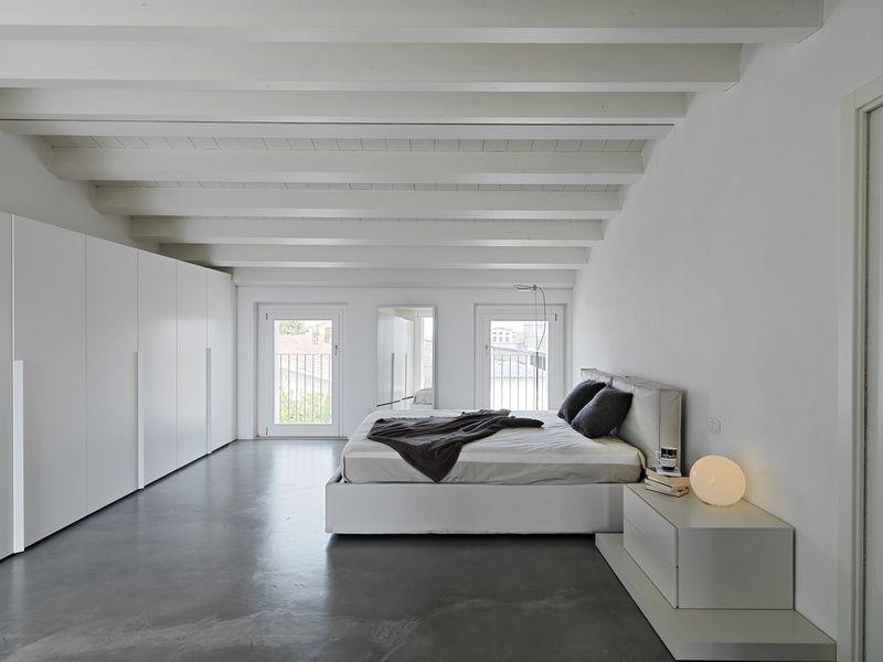 Concrete floor in minimalist modern bedroom loft style for Minimalist bedroom pinterest