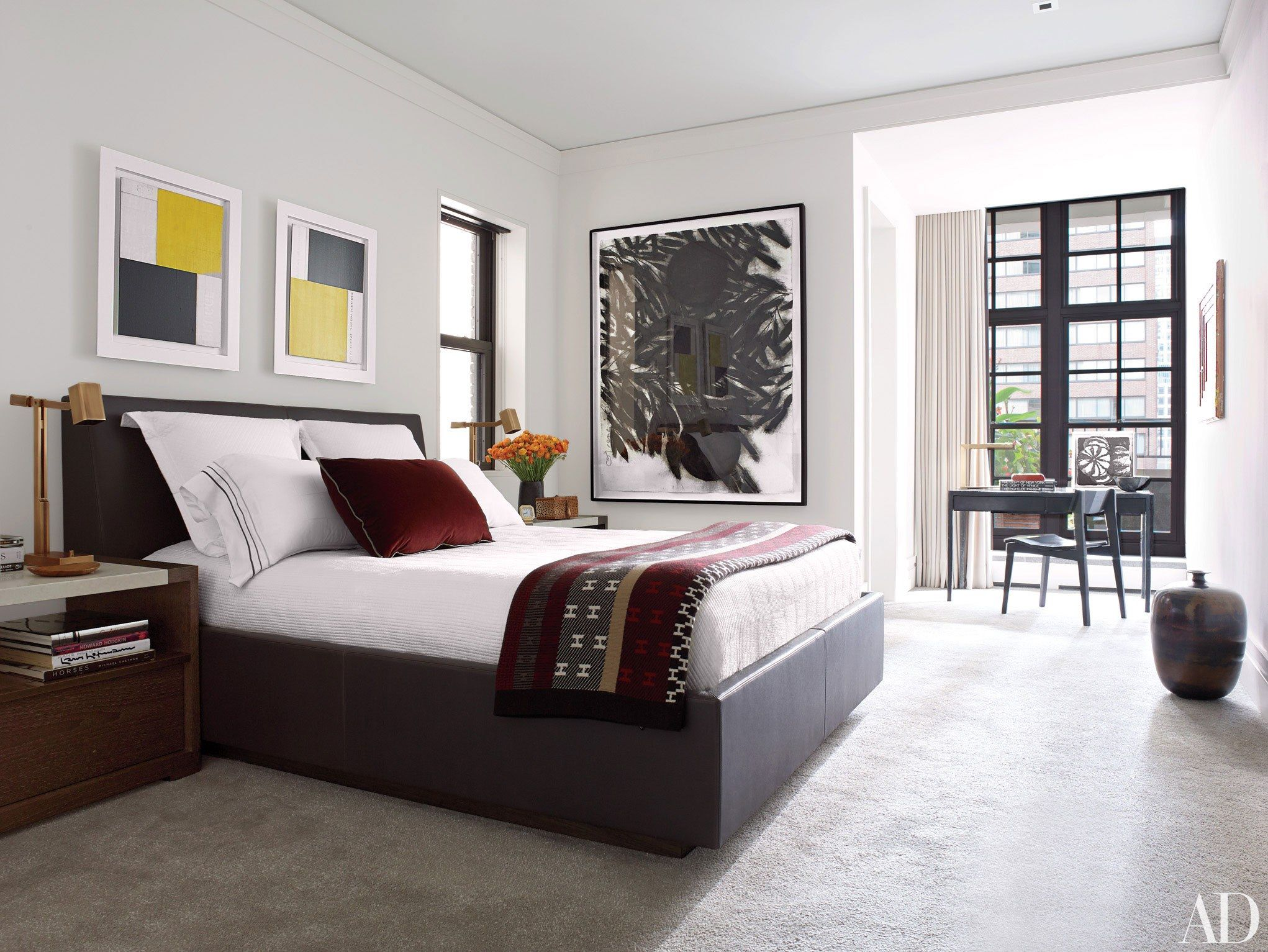 Holly Hunt's Modern Chicago Apartment on Gold Coast