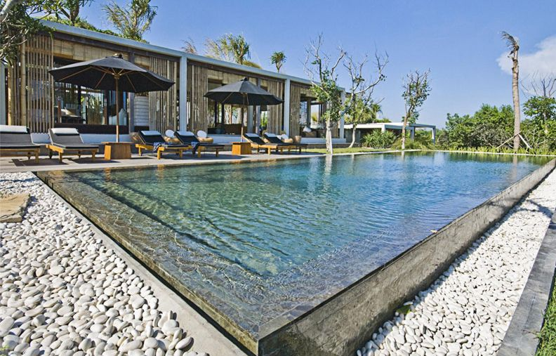 relaxation overflow zen vacation rental villa in nyanyi beach tantangan villa overflow swimming pool design