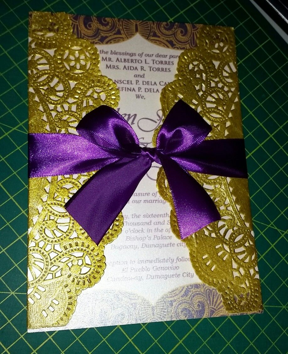 Doily Purple And Gold Invitations