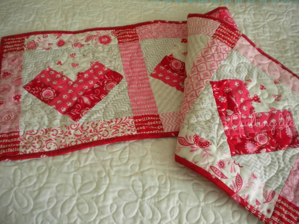 quilted interior quilt home in table marvelous with runner wonderful ideas patterns