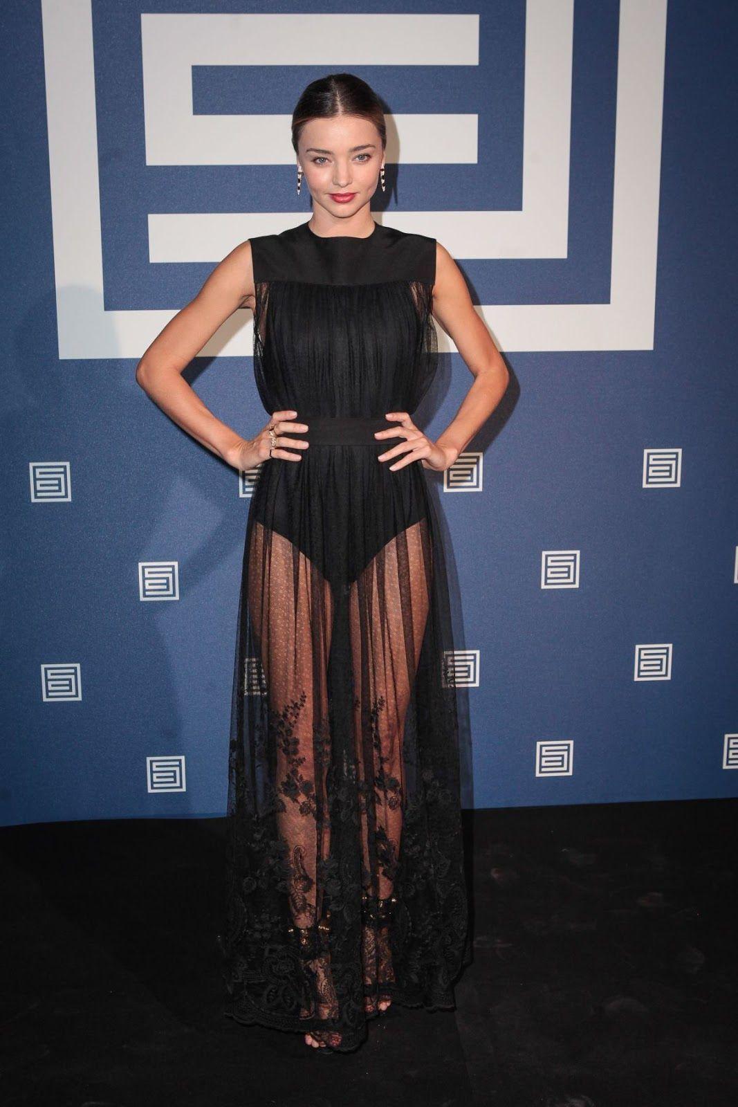 cdc61408deed8 Agarre seu vestido preto transparente