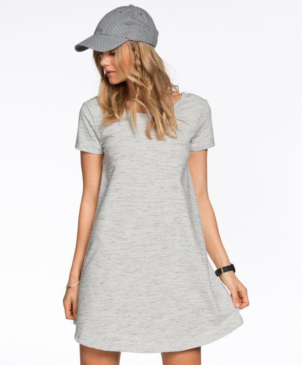 2645ee55 Redhill kjole Herlig kjole i deilig college kvalitet. Kjolen har kort erm,  pen hapsringning