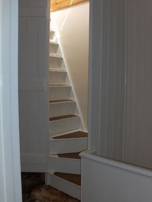 Best Steep Stairs To The Attic Stairs Attic Rooms Attic 400 x 300