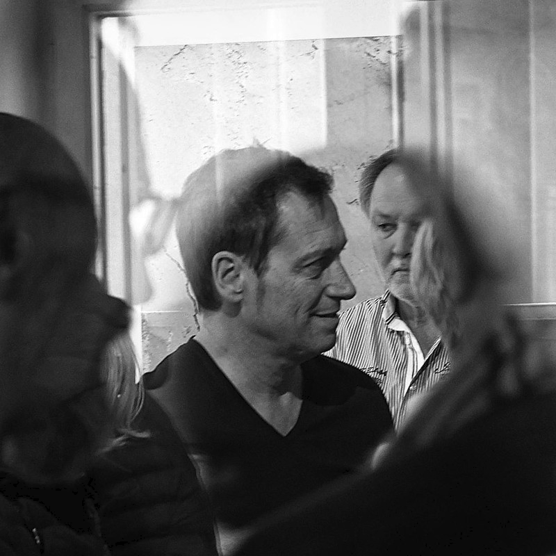 Dieter Nuhr Nah Und Fern Ausstellungseroffnung 2 In 2020 White Photography Photo Photography