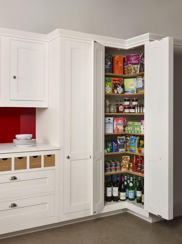 Fabulous Kühlschrank im Schrank und daneben einen Vorratsschrank | home in QR85