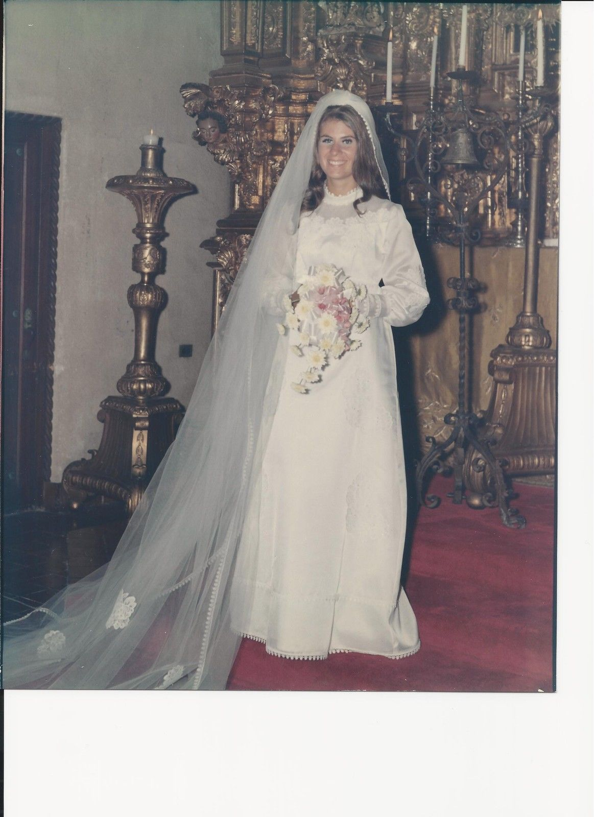 1970 Wedding Dress with Veil Absoultely Beautiful and