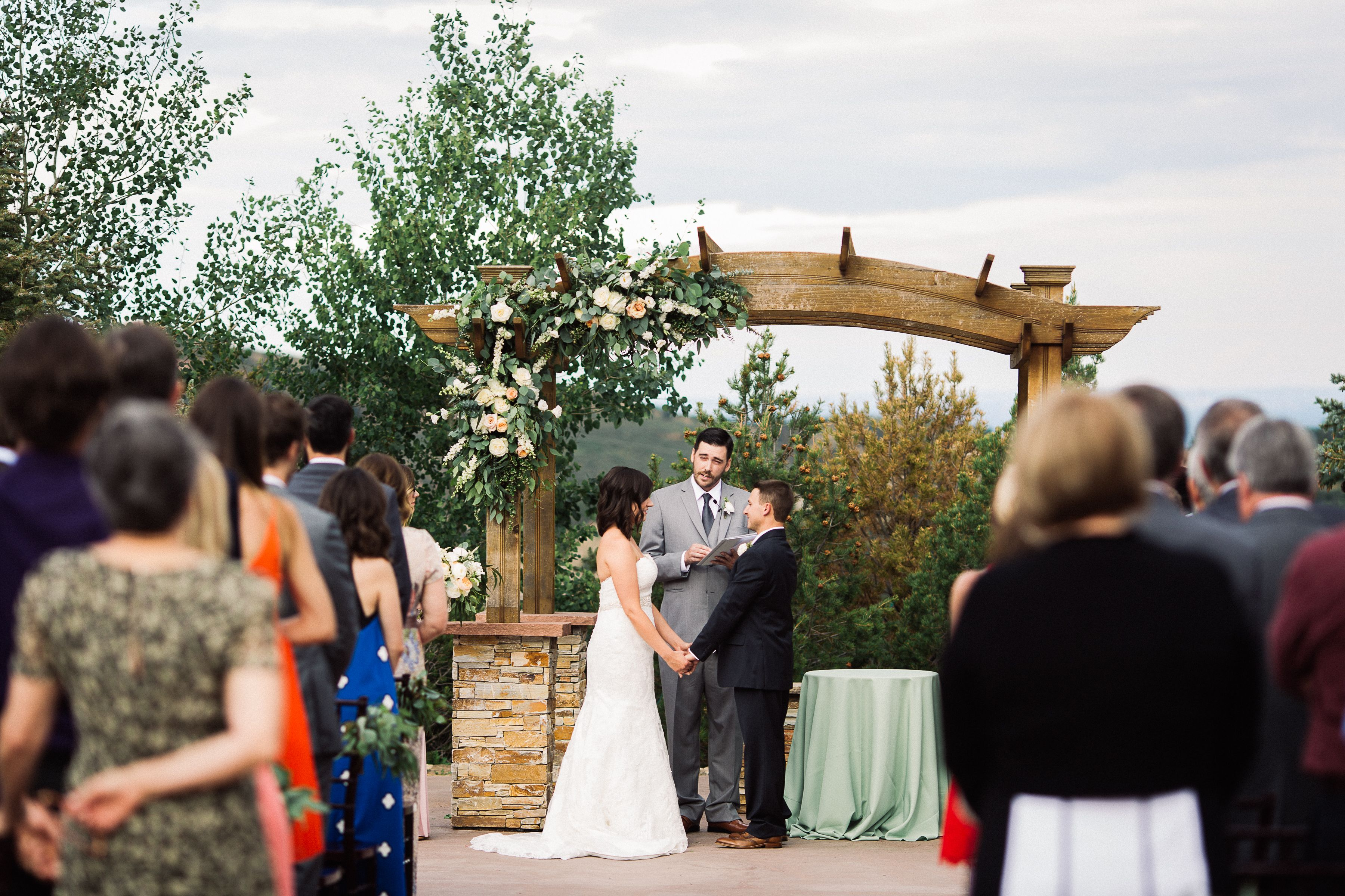 Wedding ceremony at willow ridge manor wedding venue in morrison wedding ceremony at willow ridge manor wedding venue in morrison colorado colorado wedding junglespirit Images