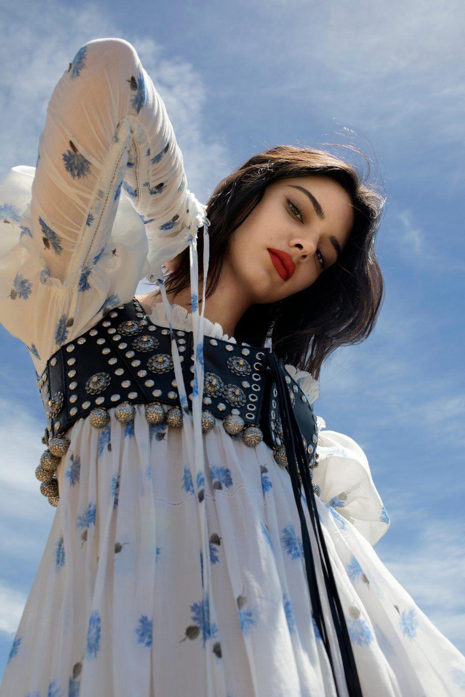 Kendall Jenner est photographiée par Cole Sprouse pour le Sunday Times Style 14 mai 2017 – Anne of Carversville   – kendalımm 3>
