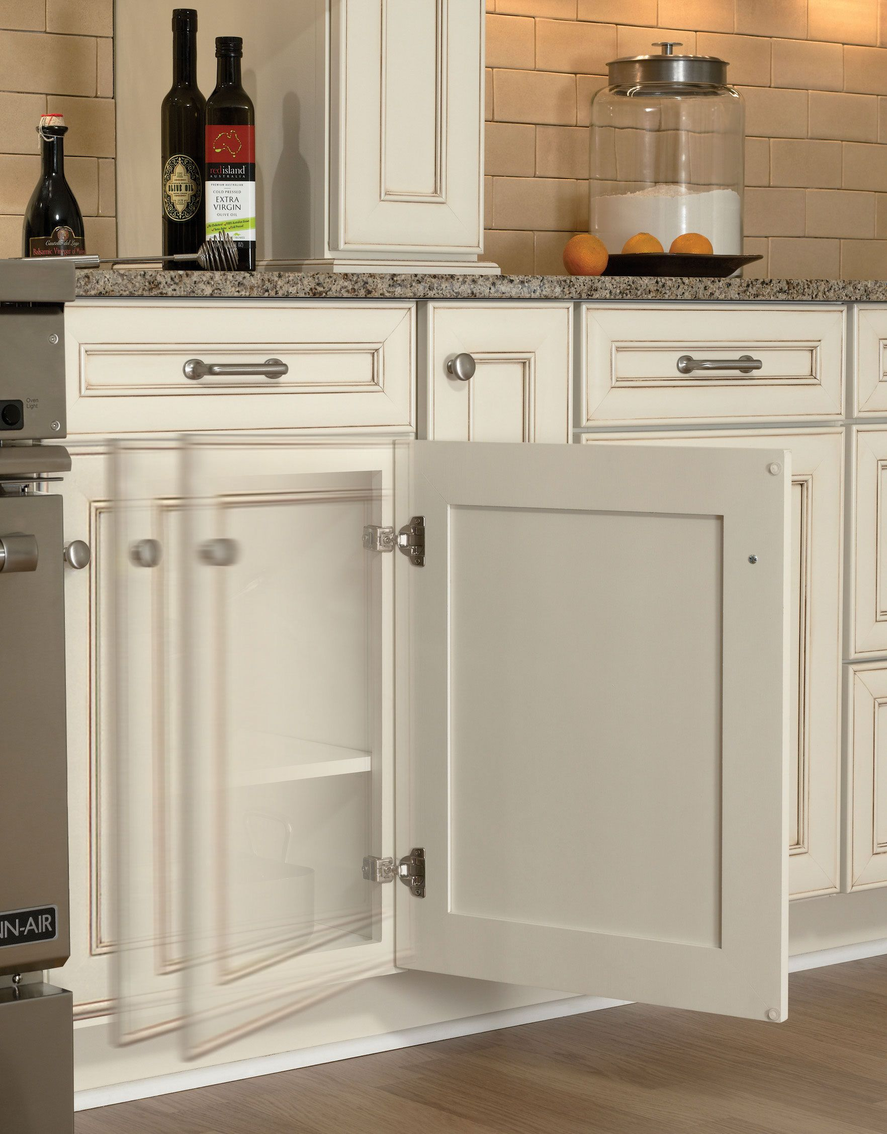 Delicieux Soft Close Cabinet Doors Make It Hard To Gauge The Mood Of The Room! #