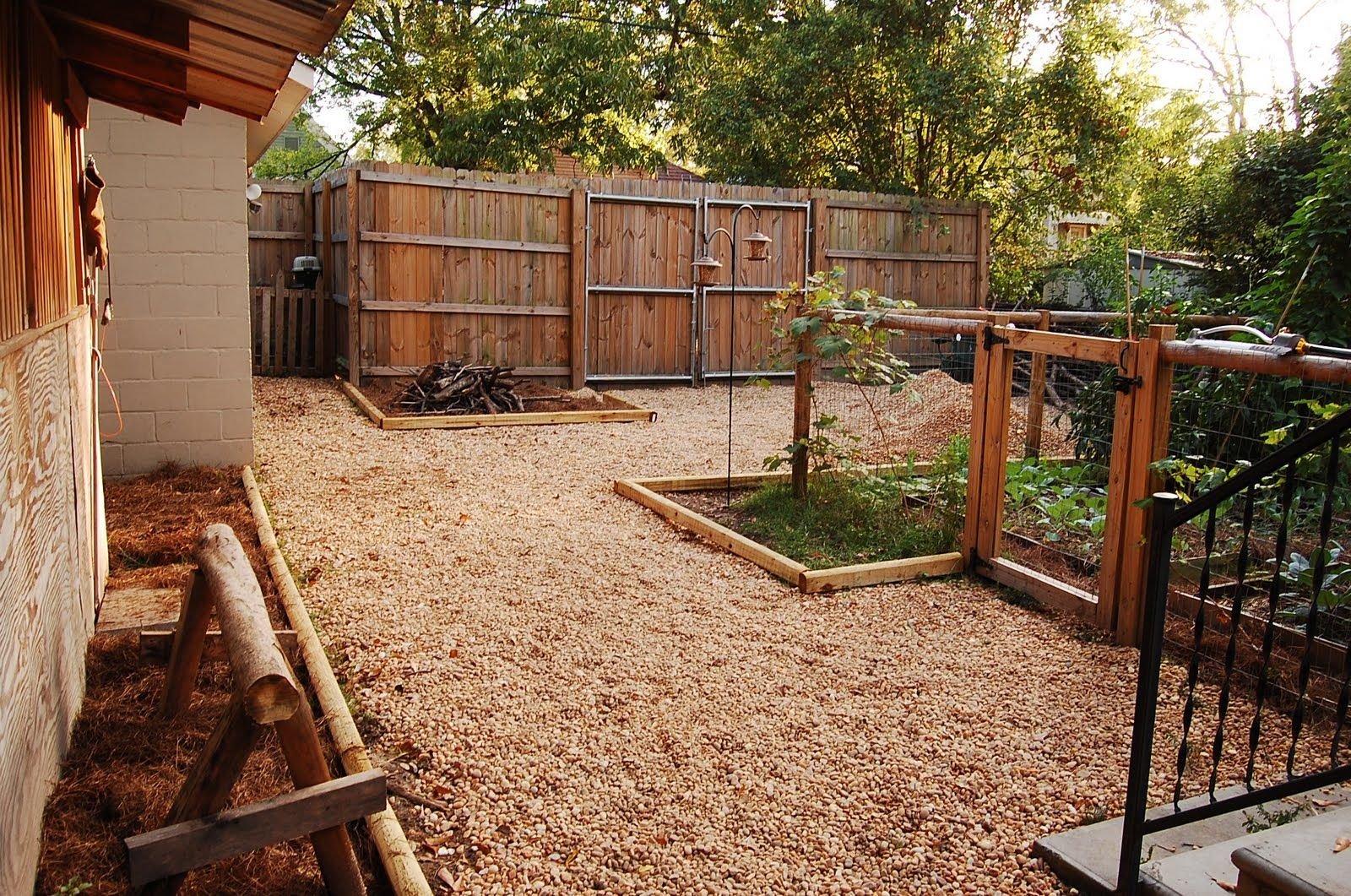 Backyard Cheap Idea Desert Landscaping Urban SelfSufficientist - Desert backyard landscaping ideas