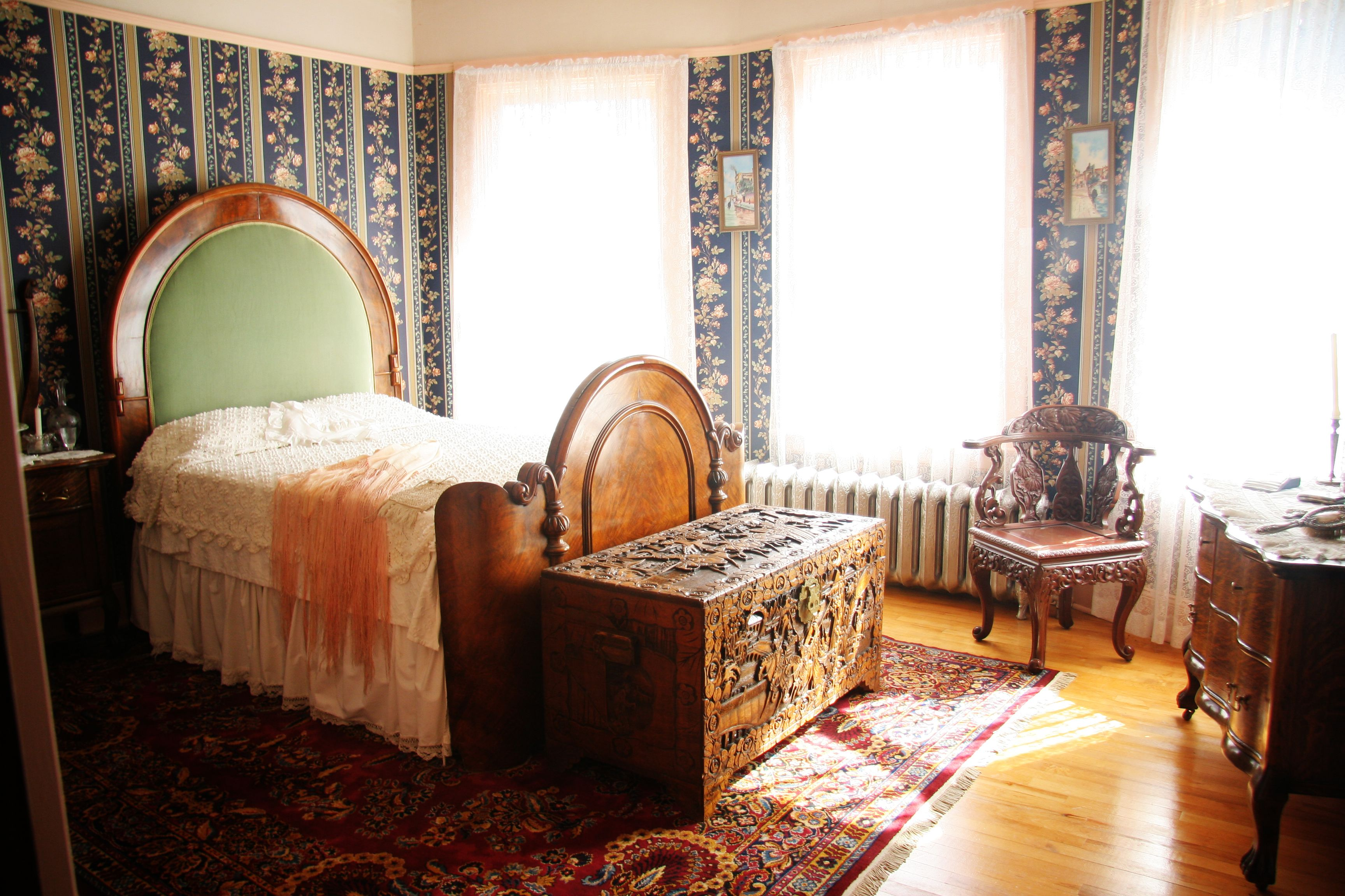 http://sysanin.com/wp-content/uploads/2015/12/bedroom-old-fashioned ...