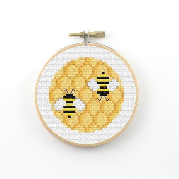 Honeycomb and bee cross Stitch pattern, bee pdf pattern, bee cross ...
