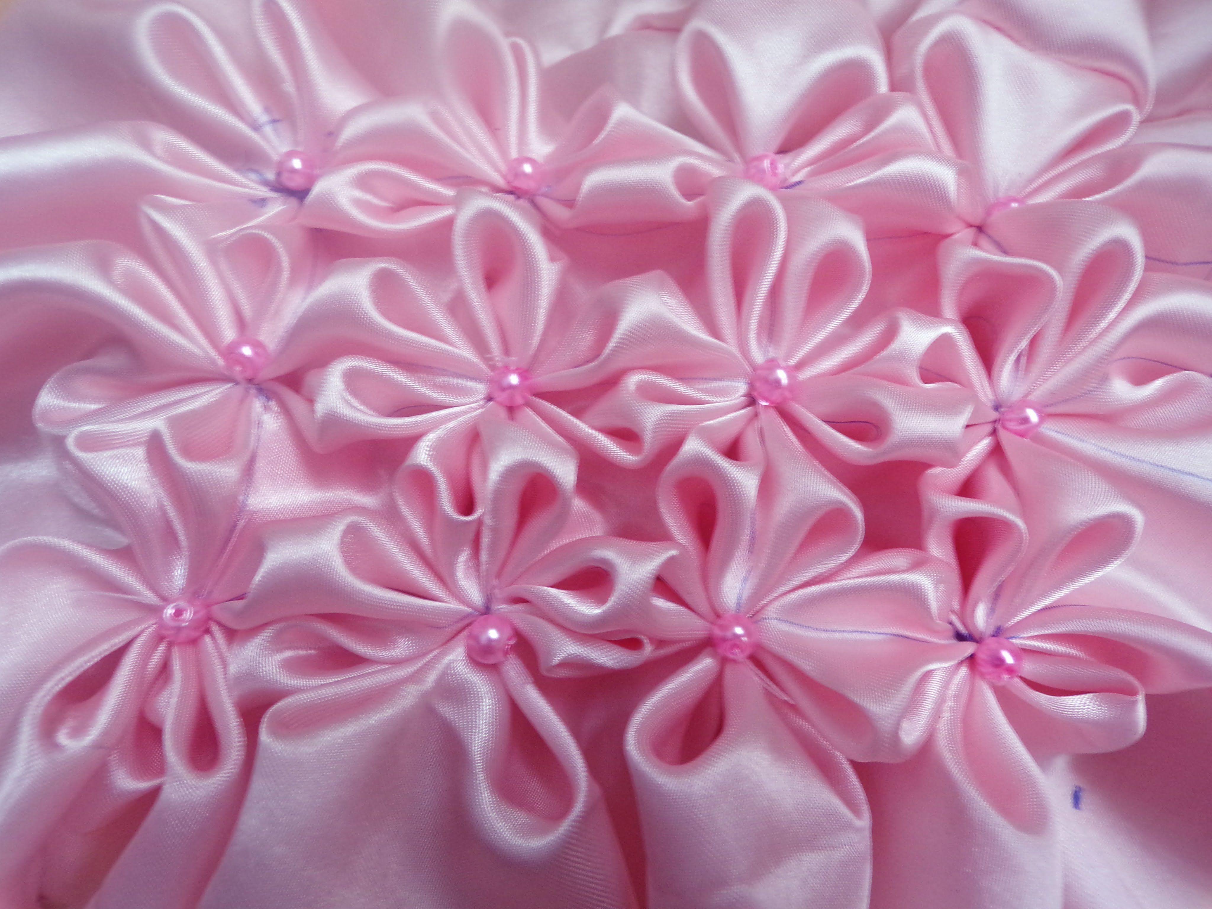 8 petal flower smocking pattern on a fabric sewing world 8 petal flower smocking pattern on a fabric jeuxipadfo Choice Image