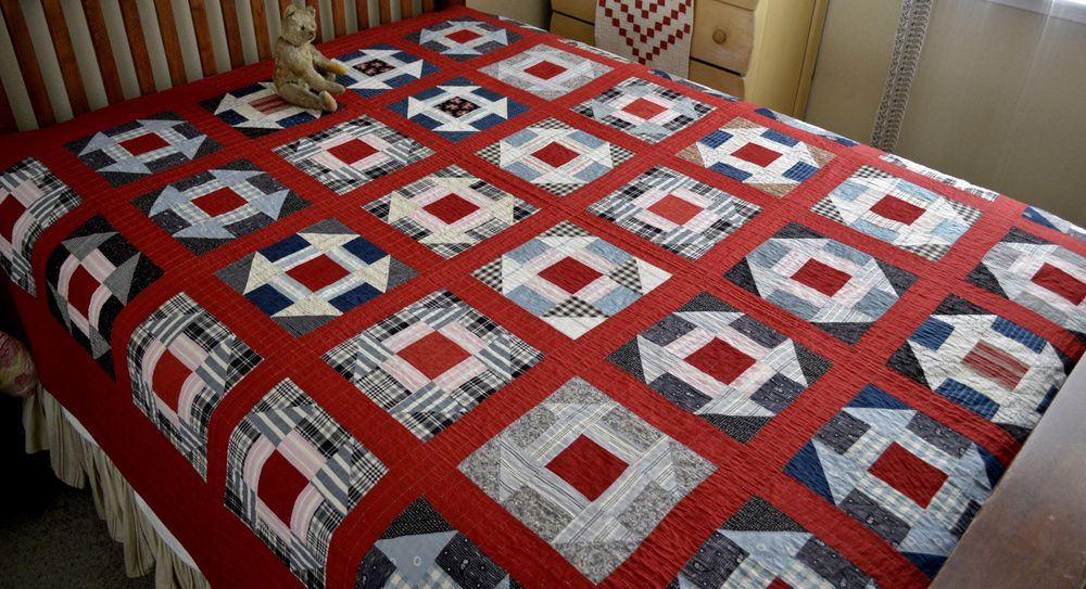 Fantastic Antique Hand Stitched Calico Hole In The Barn Door Quilt