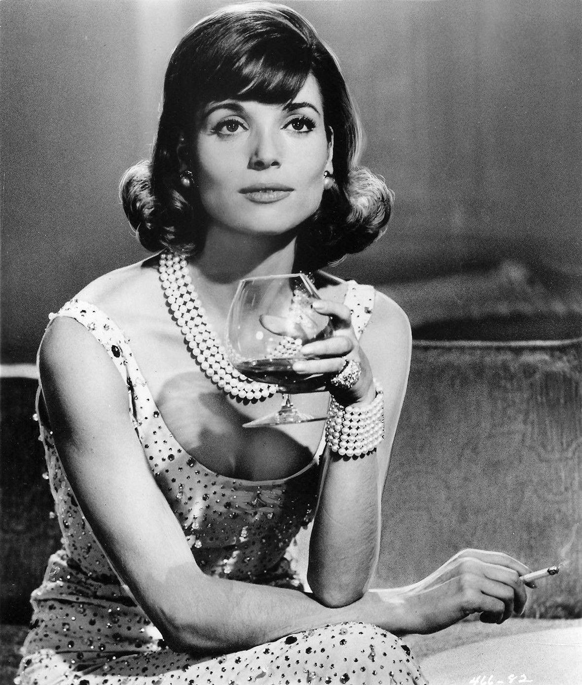 Elsa Martinelli | Italian actress, Italian beauty