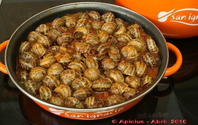 Como muchos sabéis, el día de San Prudencio 28 de Abril uno de los platos típicos a degustar, en Álava, son los caracoles, por lo tanto en m...