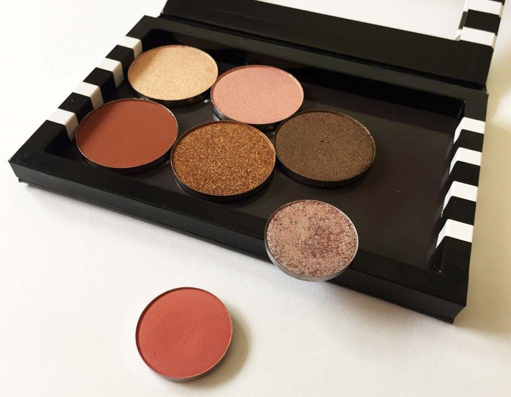 Do you put your makeup into a z palette z palette
