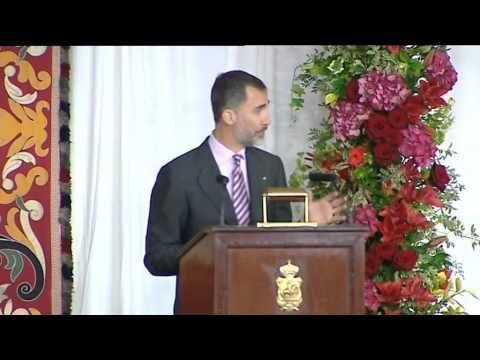Sus Majestades los Reyes entregaron el galardón al literato y musicólogo Ramón Andrés González-Cobo y rindieron el tradicional Homenaje a los Reyes de Navarr...