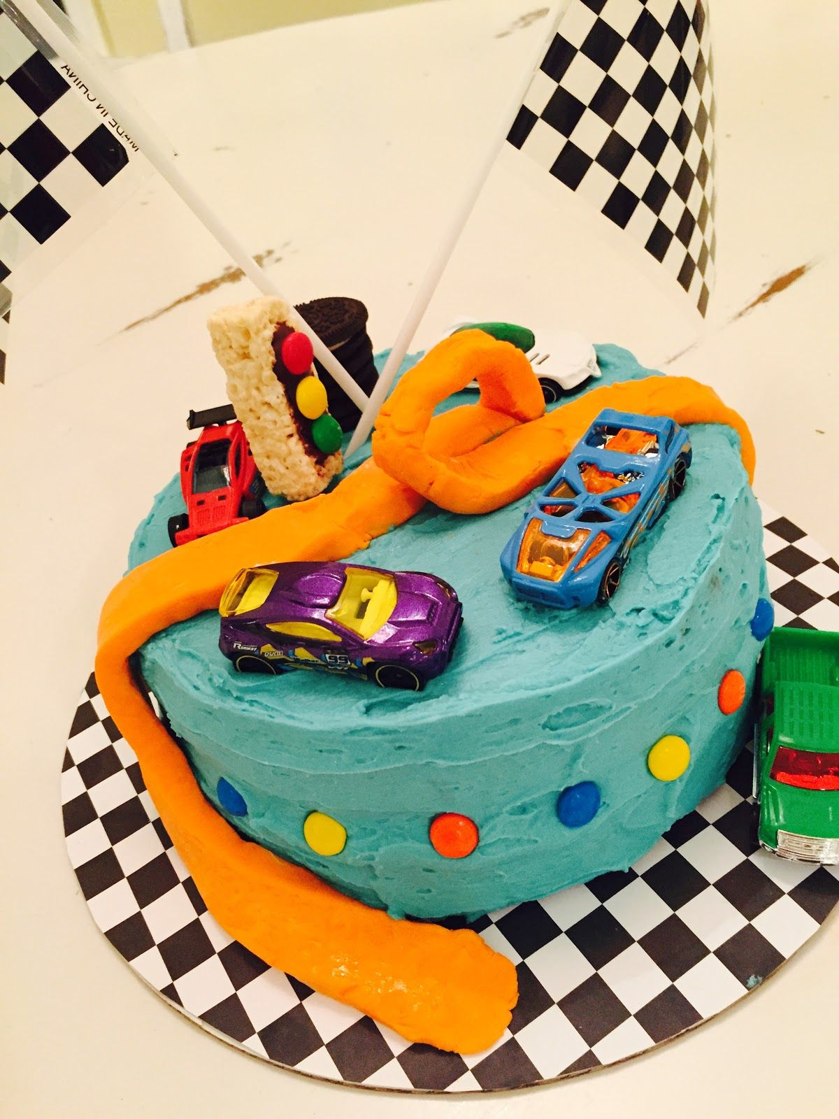 Hot Wheels Cake First Attempt With Fondant With Images Hot