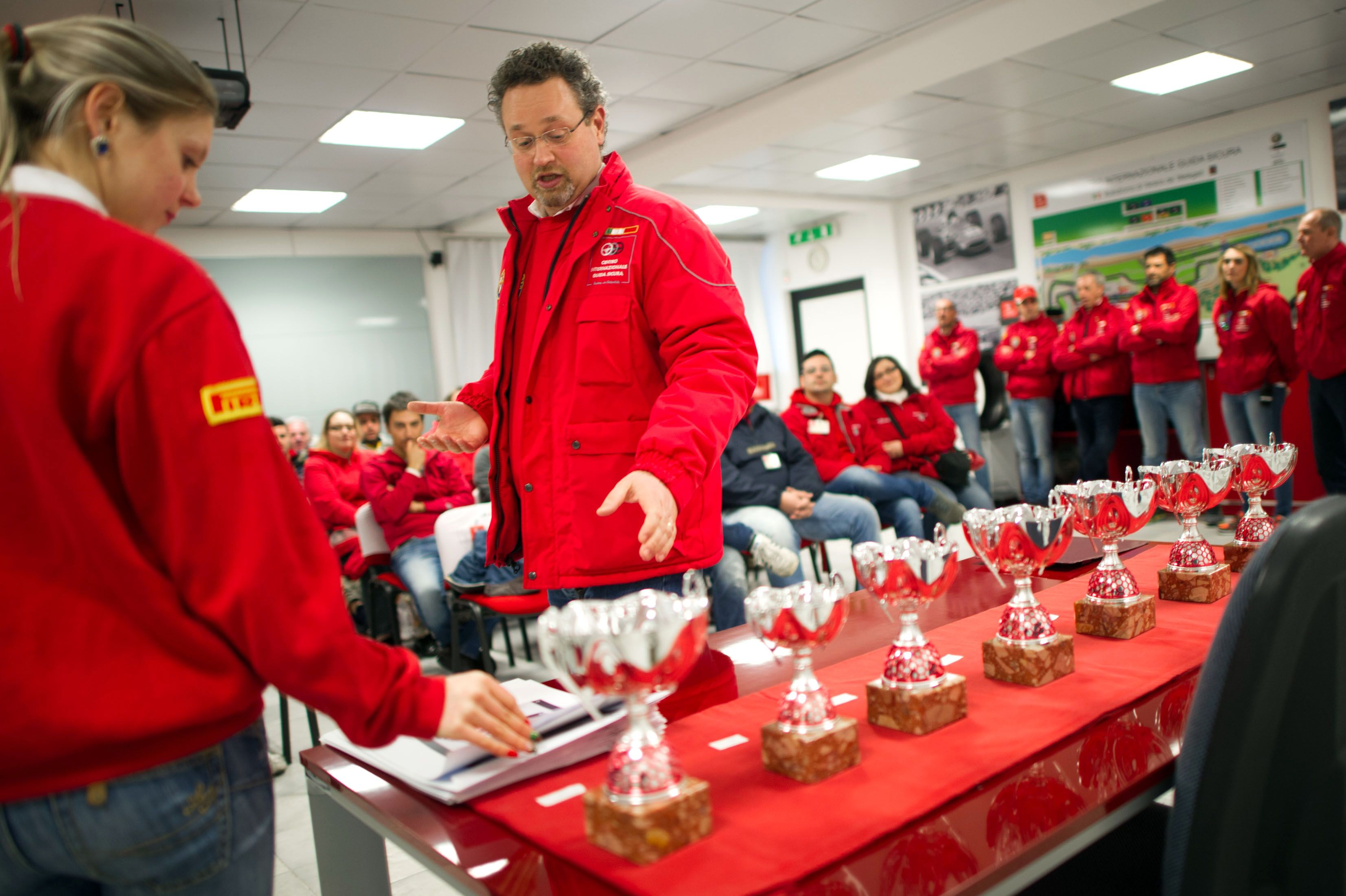 The emotions of a driving course on the racetrack with Alfa Romeo vehicles. Ain't no better day! Watch the gallery