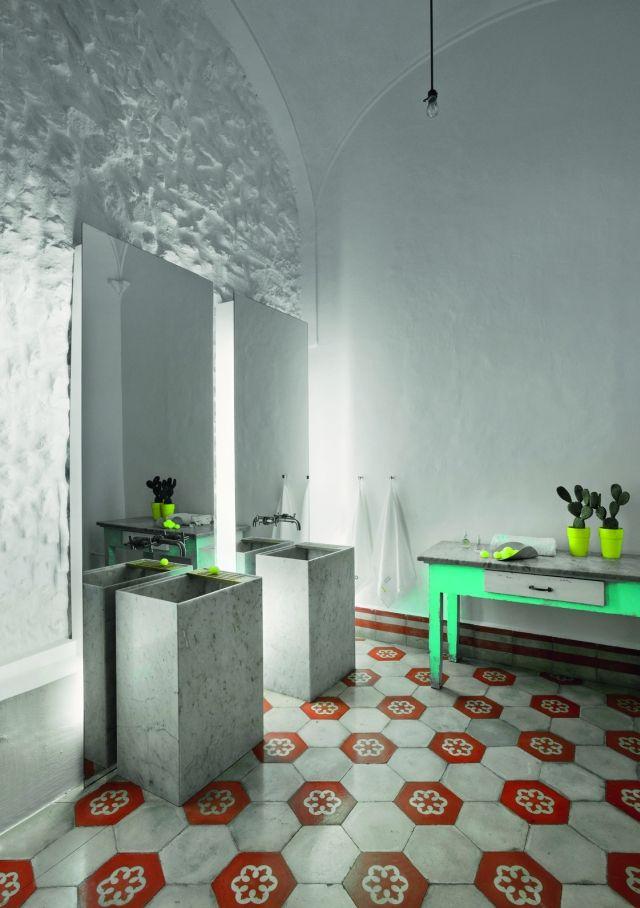 reforma #baño con doble lavabo de mármol, espejos sin marco, pared ...