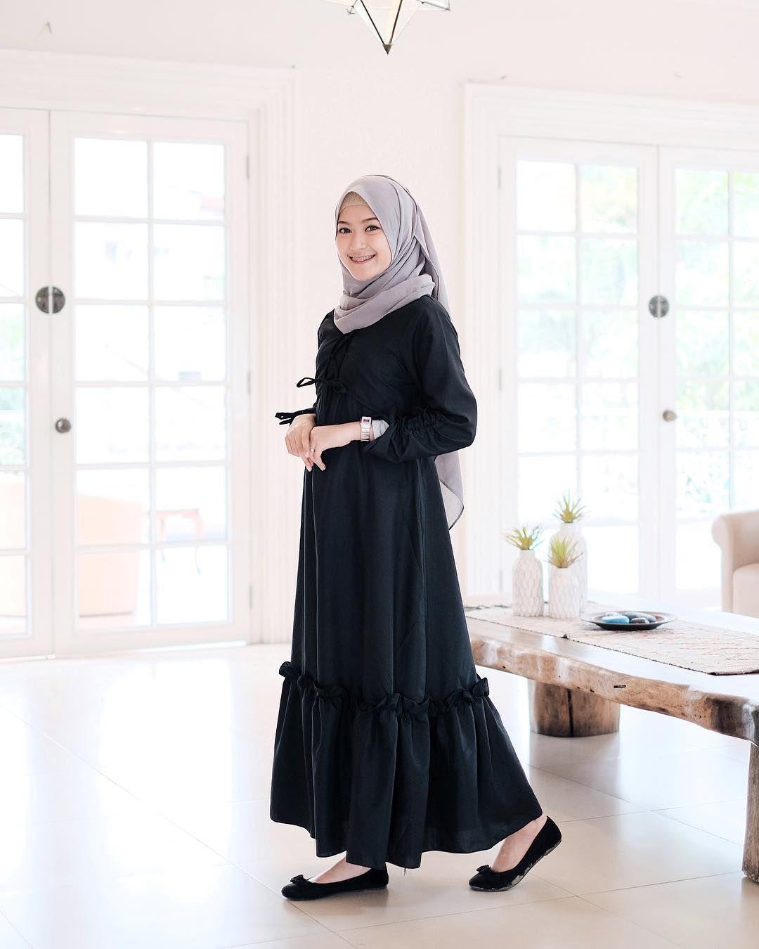 Pin oleh yuni wahyuni di Hijab trend di 2019  30e8fdeb73